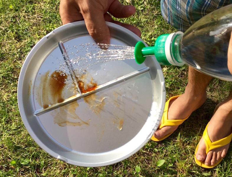 食器の汚れを落とすのにも便利