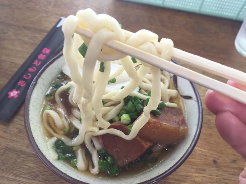きしもと食堂八重岳店の岸本そば(小)500円